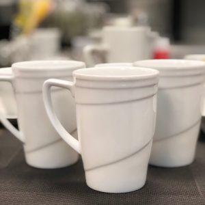 porcelianinis puodelis